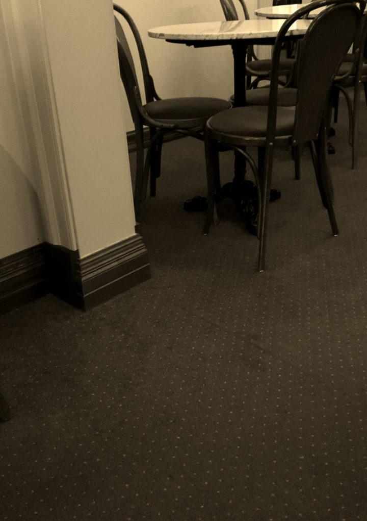 Blogginlägg: Caféer börjar bli tomma på grund av Corona viruset